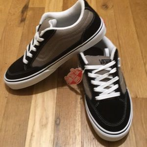 vans Shoes - Vans size 7 new